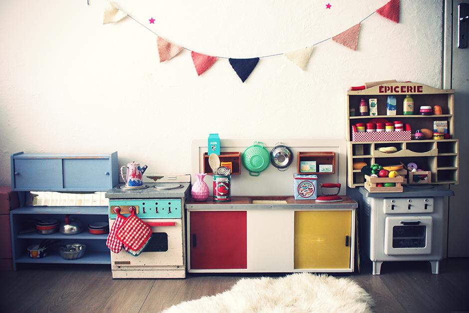 La petite cuisine vintage deviendra grande et dieu cr a for Petite cuisine retro