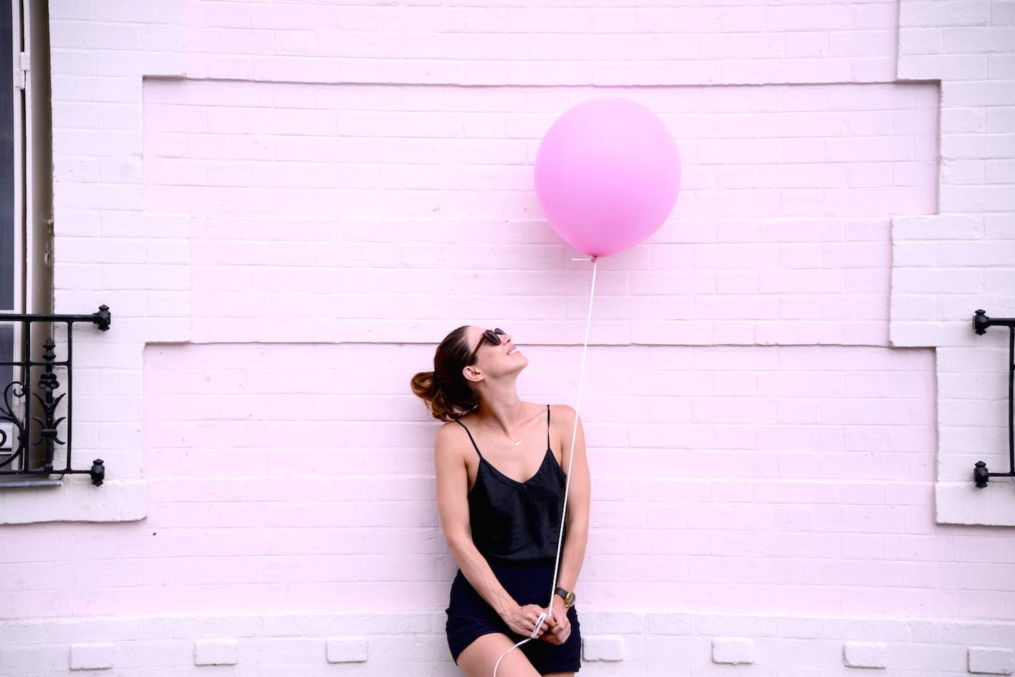 anna-dawson-pink-balloon-theballoondiary
